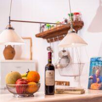 Kitchenette-Theke zum Wohnbereich des Mühlenhauses, Einrichtunsdetail